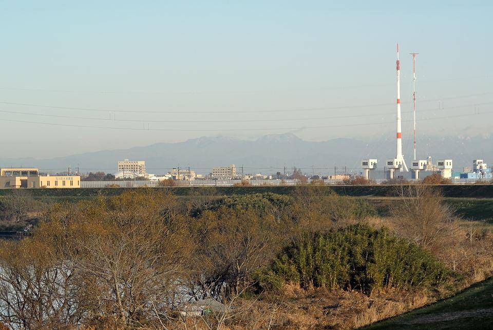 右から皇海山、袈裟丸山、(至仏山?)