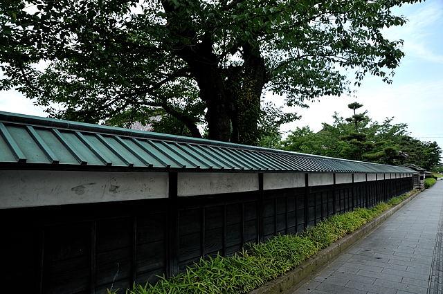 藩校致道館の外塀