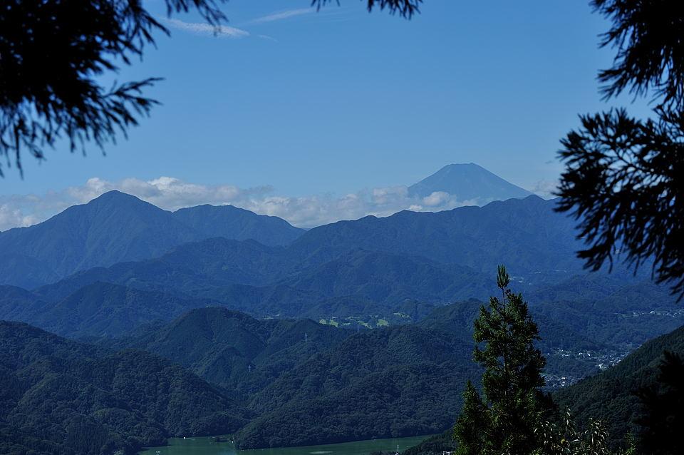 小仏峠からの富士山