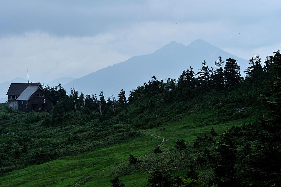 駒の小屋と燧ケ岳