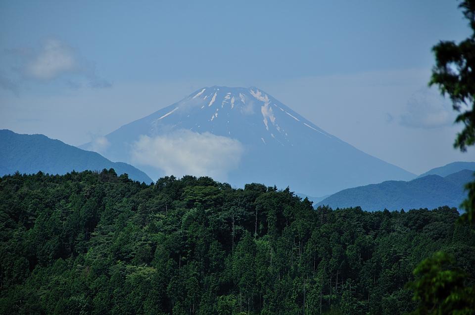 稲荷山コースからの富士山