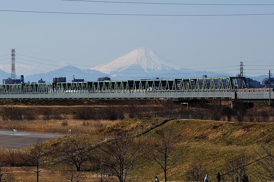 彩湖からの富士山