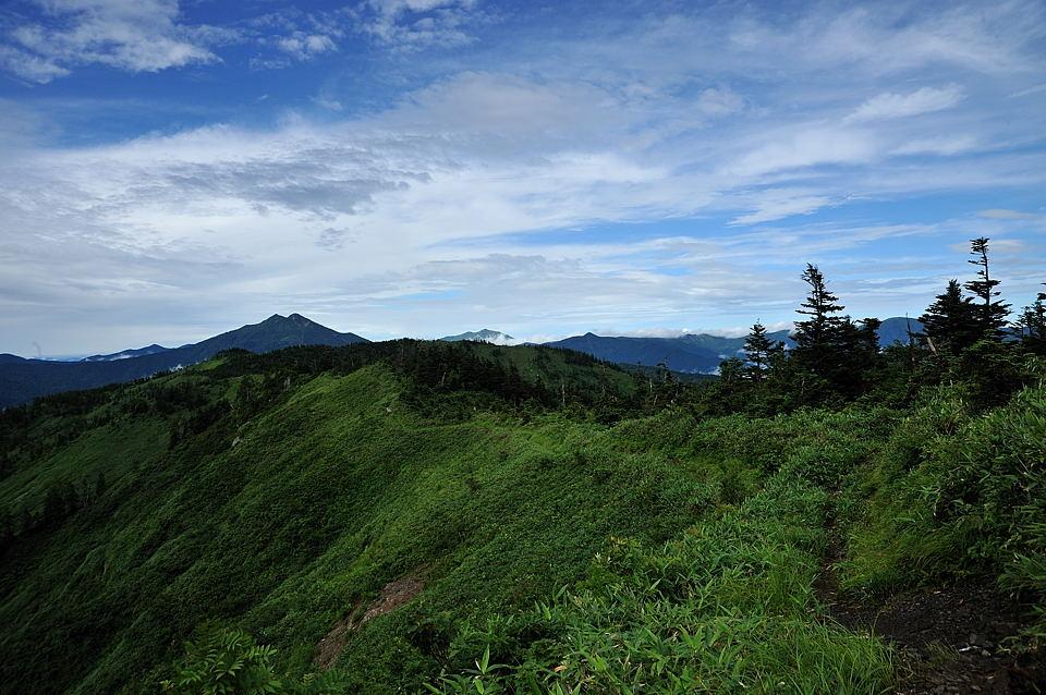 燧ケ岳、至仏山、景鶴山が見えてきました