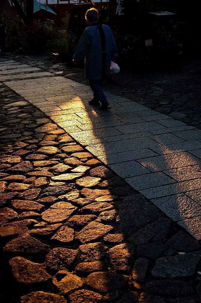 石畳を歩む